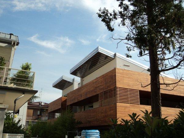 Pareti in legno nella casa al mare arte e parquet - Affittare una casa al mare ...